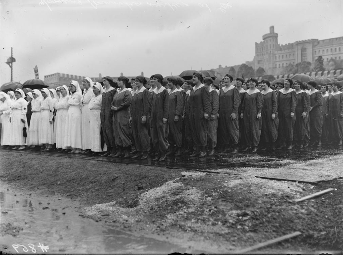 Munitions Workers and Nurses Exhibition Place (Toronto, Ont.) Veteran's Parade, 1919