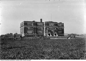 Duke of Connaught School, May 1919, James Salmon Collection, City of Toronto Archives, Fonds 1231, Item 1005.