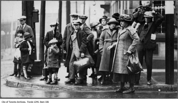 British immigrants, Toronto, c. 1911. William James collection, City of Toronto Archives.