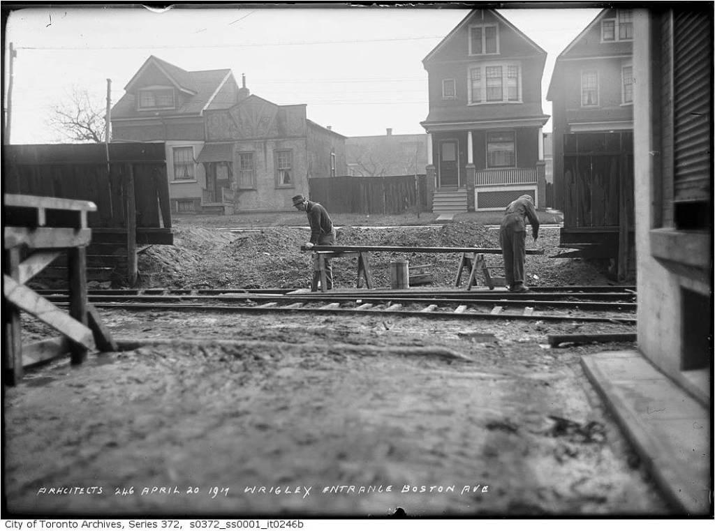 Boston Avenue entrance to Wrigley Factory 1917