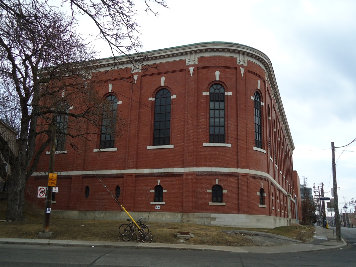 Hydro Building 2010, photo by Julia Patterson. Note that the Hydro Store no longer exists and the entrance has been bricked up.