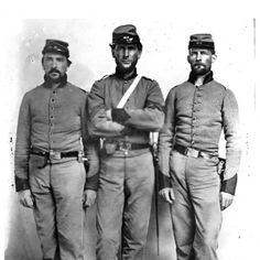 Soldiers of an Alabama Infantry Regiment, including an older soldier. There were many like Peter Binford in both Blue and Gray.