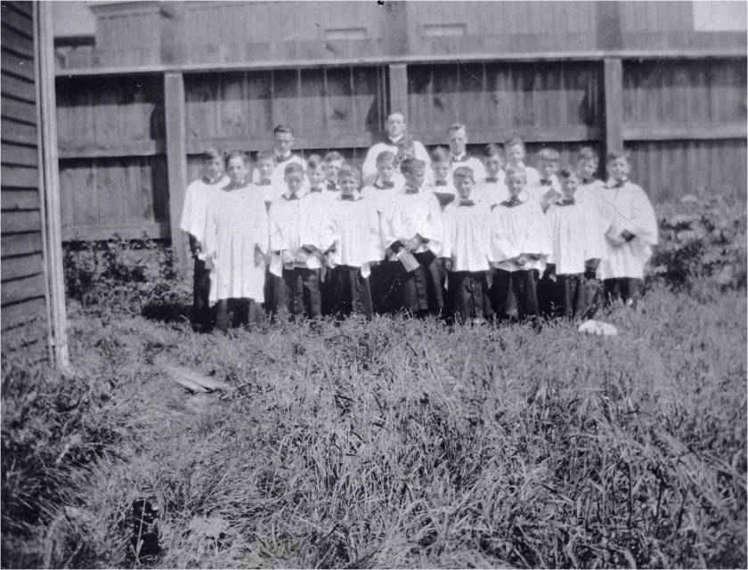 St. Monica 's Anglican Church (1907-1923), Gerrard St. E., n.w. corner Ashdale Ave.; choir. Jackson, William H Year/Format:1910, Picture