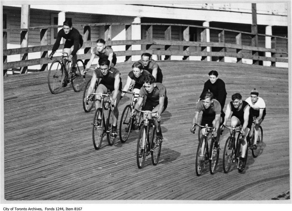 Bicycle race at Velodrome, Scarboro Beach Park, c. 1926