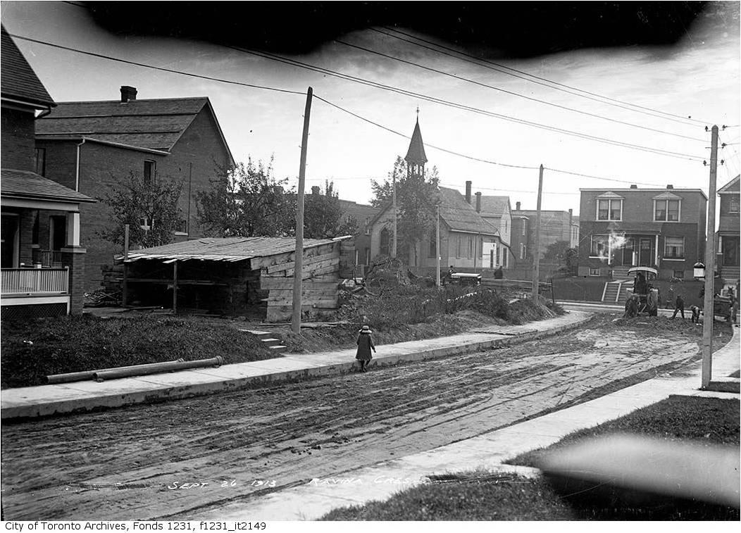 Ravina Crescent looking west to Jones Avenue, (Jones Avenue Baptist Church, centre) September 26, 1913