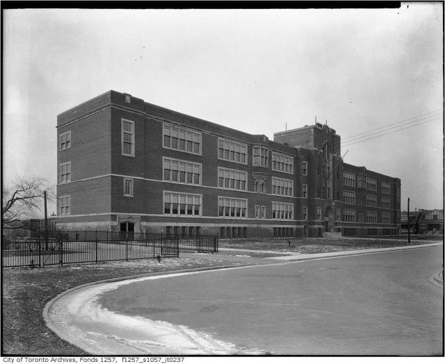 Built 1925 Eastern Commercial School Photo between 1926 and 1946