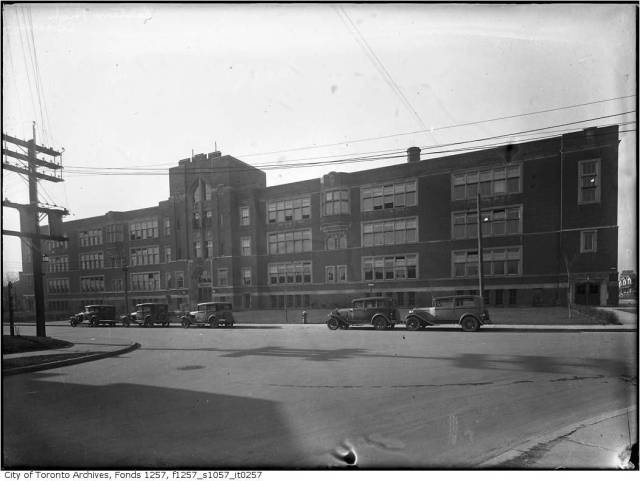 Built 1925 Eastern Commercial School, now Eastern Commerece. Photo in the 1930s.