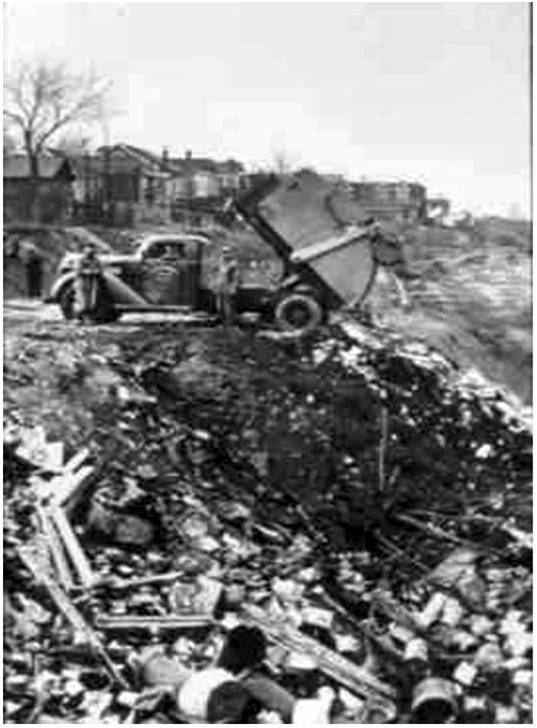 "1937, ""Harper's Dump"" photo by R. Anderson, from a PowerPoint on line by Robert Hostovsky of the University of Toronto"