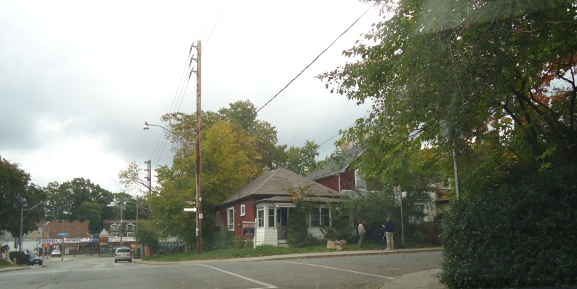 Owner-built bungalow at the corner of Fairford and Rhodes. Photo by J. Doucette, 2011.