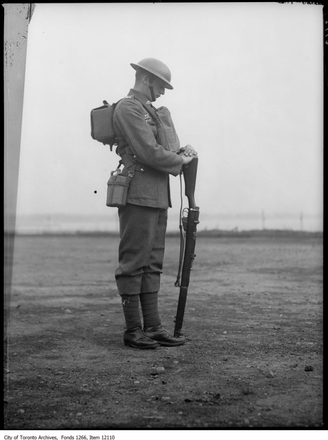 Canadian Soldier, reverse arms, side. - November 10, 1927
