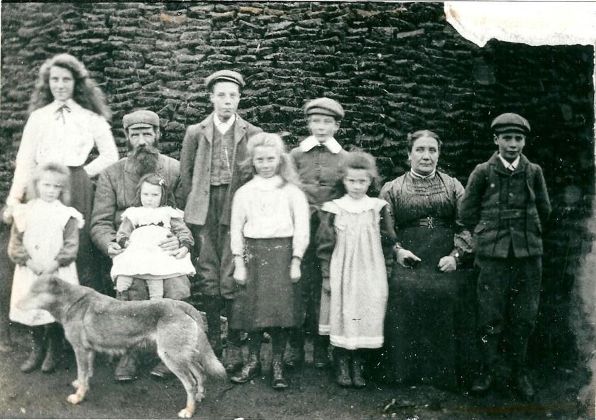 The-Cameron-Family-Kildonan-1905