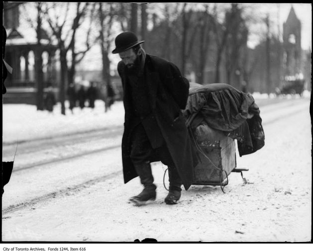 Jewish rag picker, Bloor Street West. - 1911
