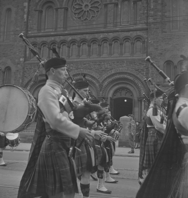 48th-highlanders-1939-1951-narch-pipeband