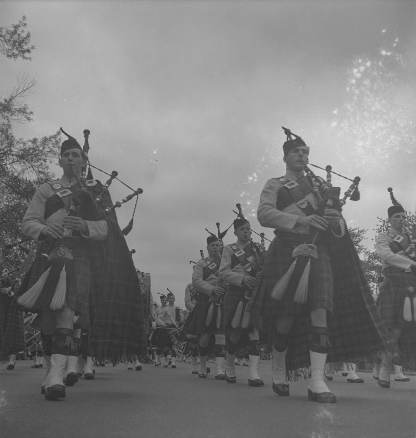 48th-highlanders-unidentified-pipers-1939-1951-narch