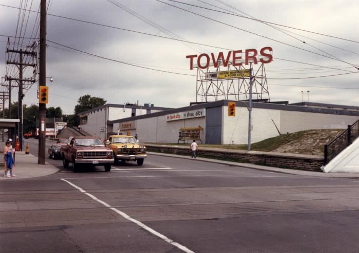 carlaw-and-gerrard-1986-toronto-public-library