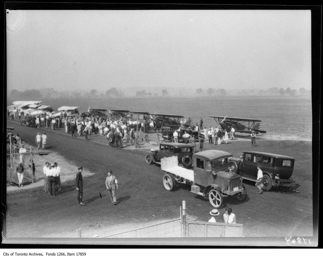 Leaside airdrome, planes lined up. - September 5, 1929