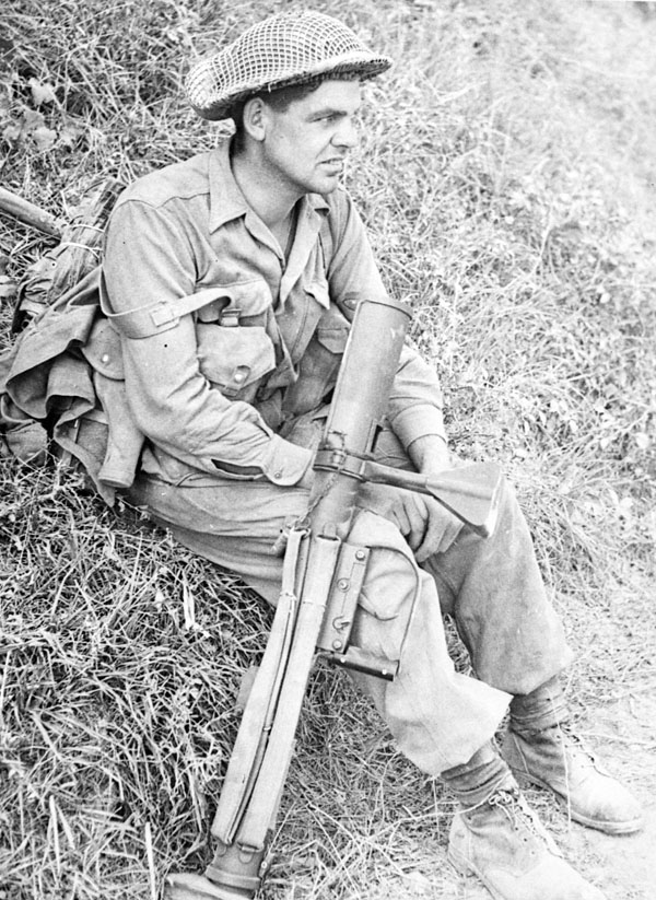 pte-stanley-rodgers-48th-highlanders-north-of-the-conca-river-en-route-to-rimini-italy-sept-1944-library-and-archives-canada