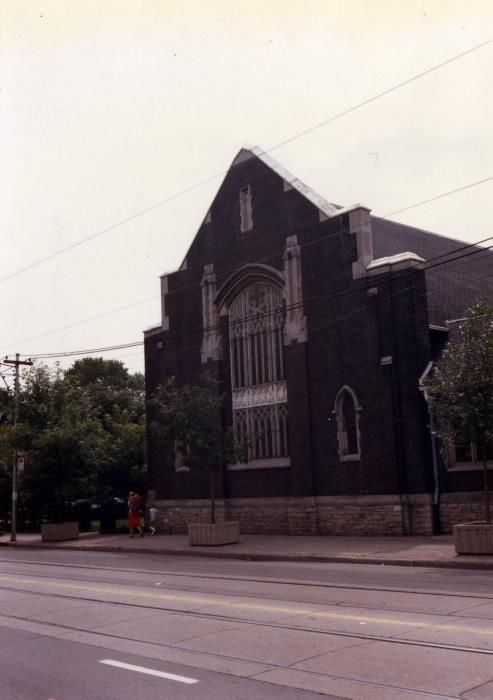 queen-st-e-presbyterian-church-queen-st-e-s-e-corner-carlaw-ave-1986-tpl