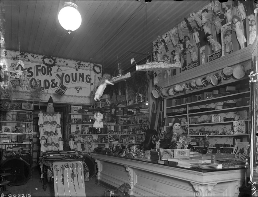 toy-shop-1900-narch
