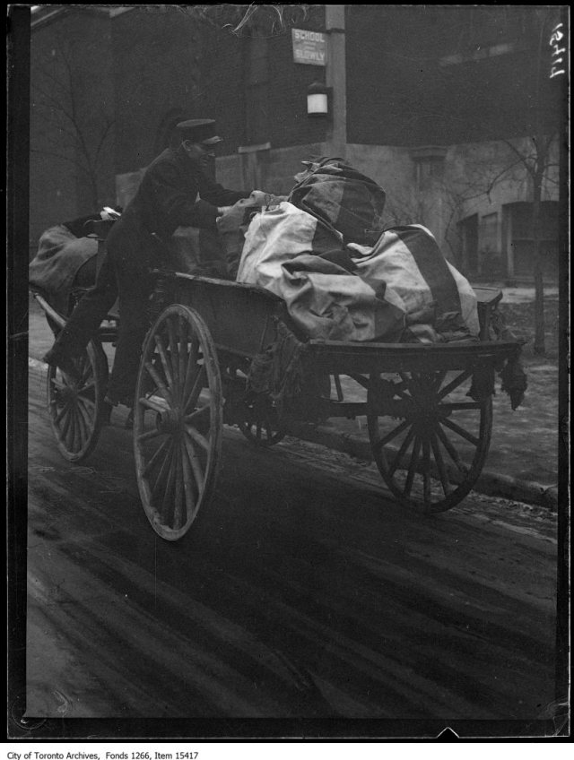 Xmas day, mailman and wagon. - December 25, 1928