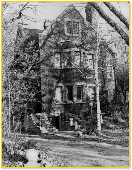 16-dinnick-residence-lawrence-park