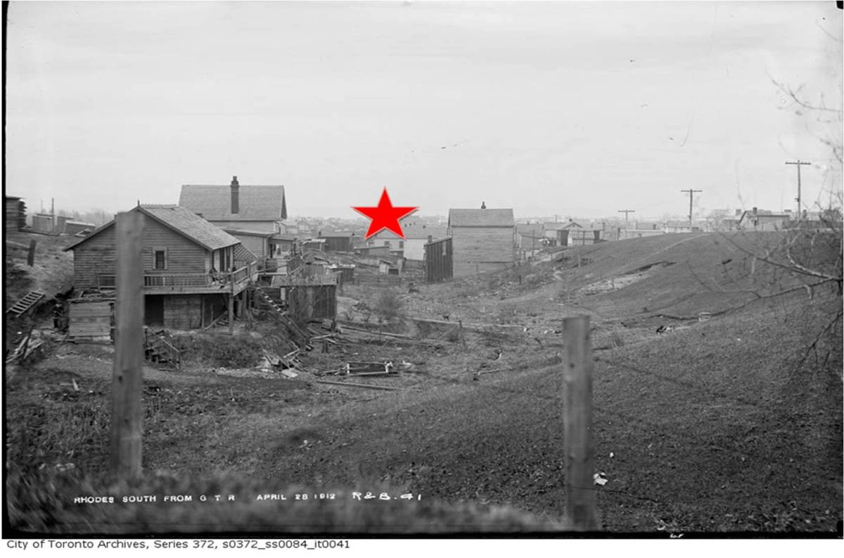 19-rhodes-ave-outhouse-star