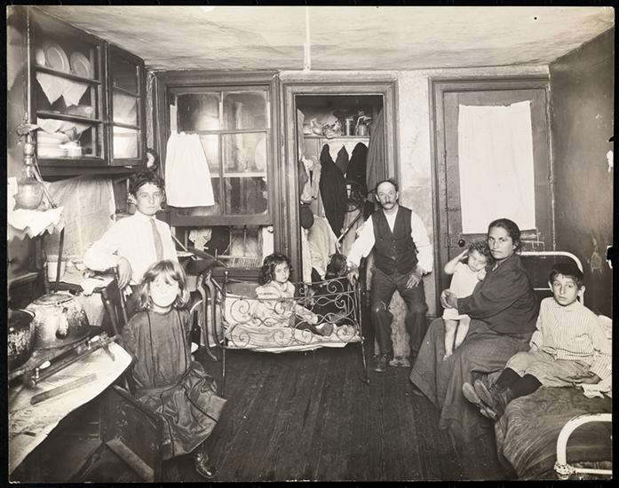 tenement-ca-1910-photo-by-jacob-riss-from-the-collection-of-the-museum-of-the-city-of-new-york