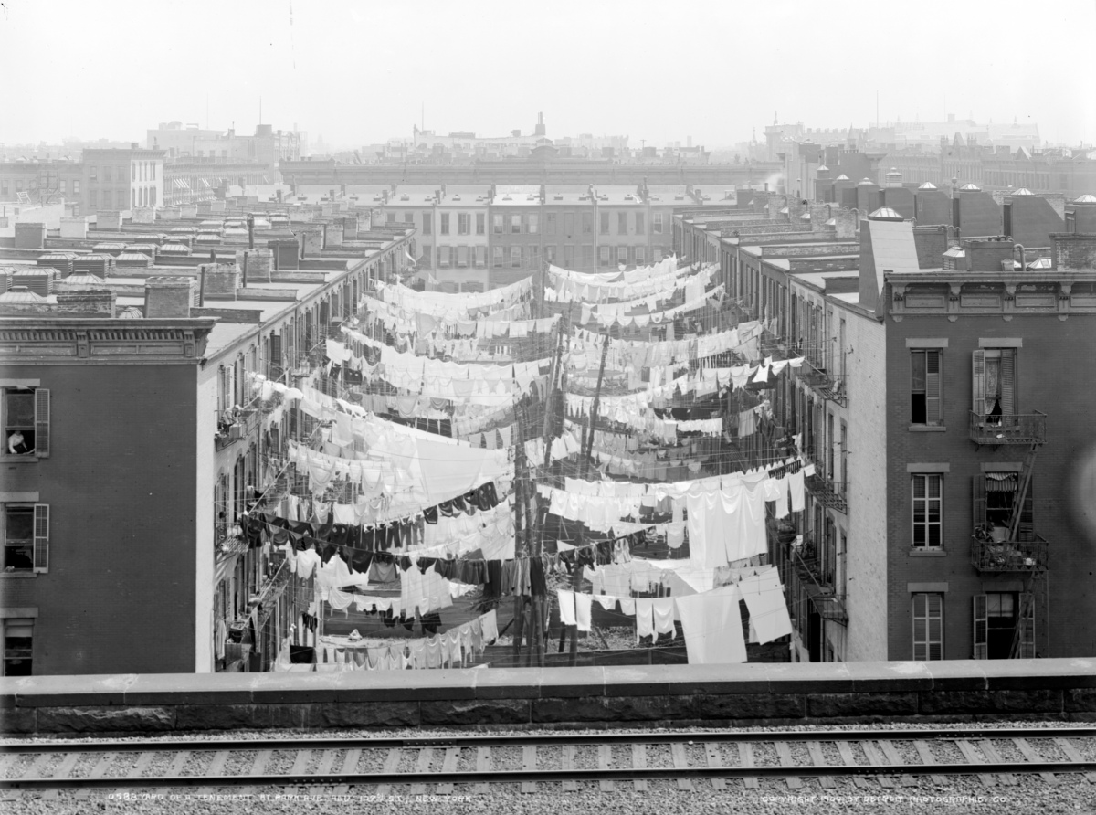 Yard_of_a_tenement_at_Park_Ave._LOC_det.4a28182.jpg