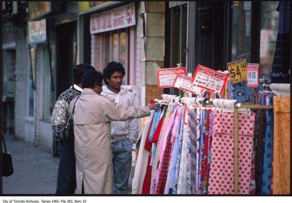 20140929-India-Shopping