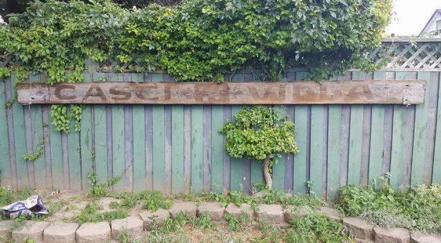 Casci Villla sign