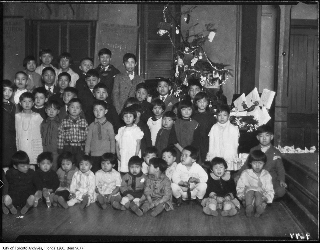 Beverly St Baptist Church, Chinese kids Xmas tree. - December 22, 1926