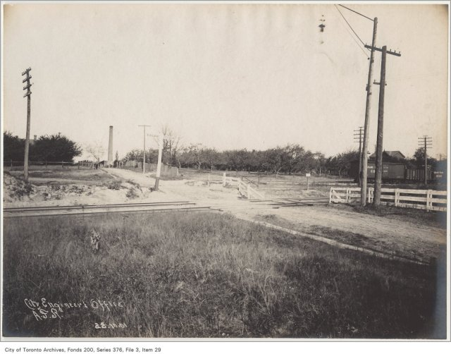 Greenwood Avenue Railway crossing looking northeast