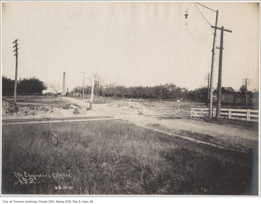 Greenwood Avenue Railway crossing looking northeast
